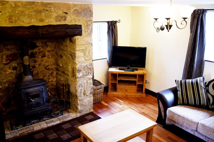 The Post Inn Self Catering Cottage - Whiddon Down - Дом