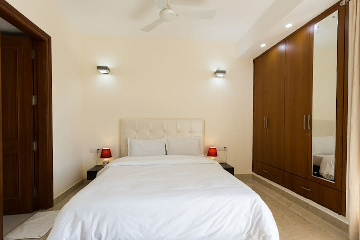 Private room with Fresh & Healthy Breakfast - New Delhi - Apartment