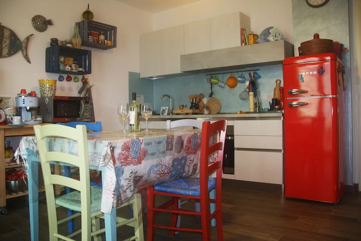 100m from the beach, cozy apartment with garden