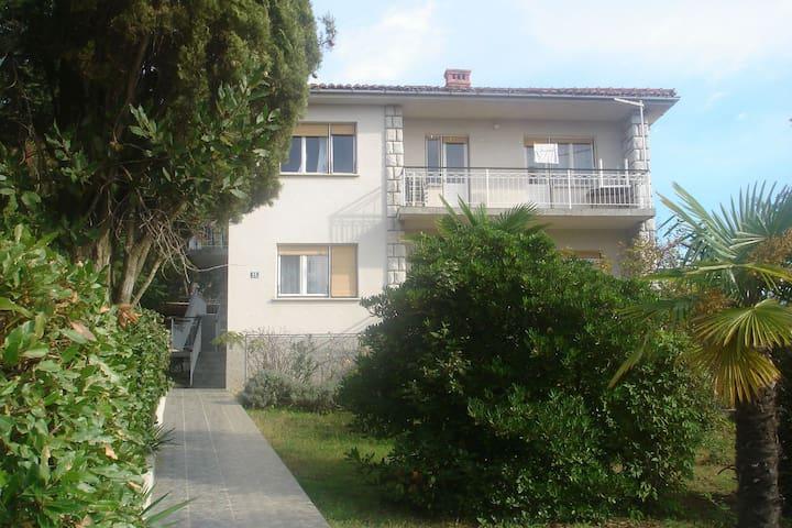 Apartment Vid A DONJI Malinska, Island Krk - Malinska