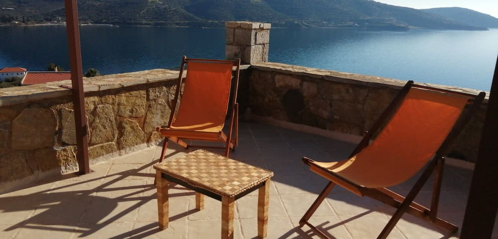 Cozy Apollon Villa, Sea View, Next to Galaxidi