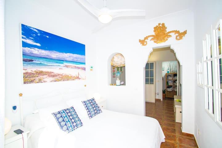 """Dormitorio """"Formentera"""" Bedroom"""