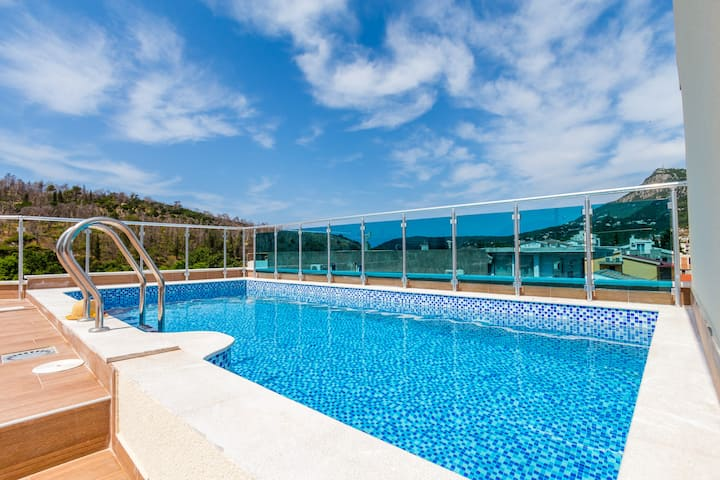 Suitable Apartment With Roof Top Pool