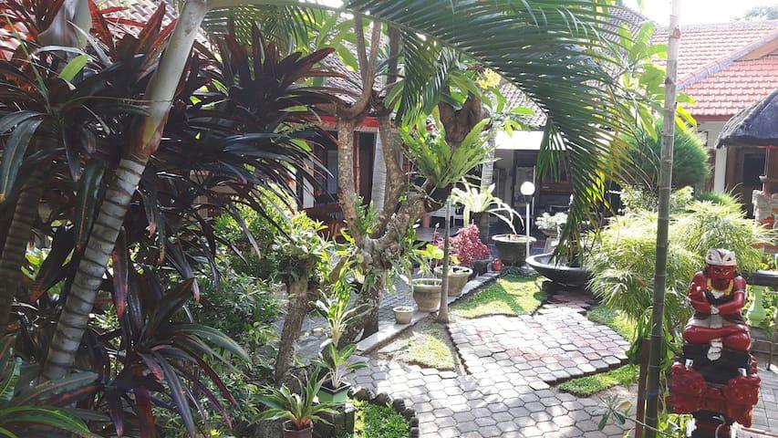 Cozy Bedroom with breakfast in Bali - Denpasar Bali - Ev