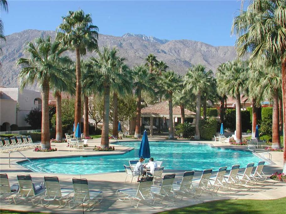 Vacation Rentals at Deauville Condos Downtown Palm Springs