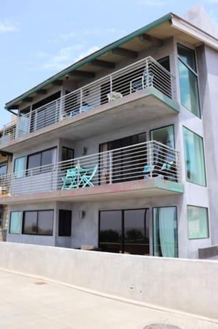 Stunning Manhattan Beach Home with Ocean View