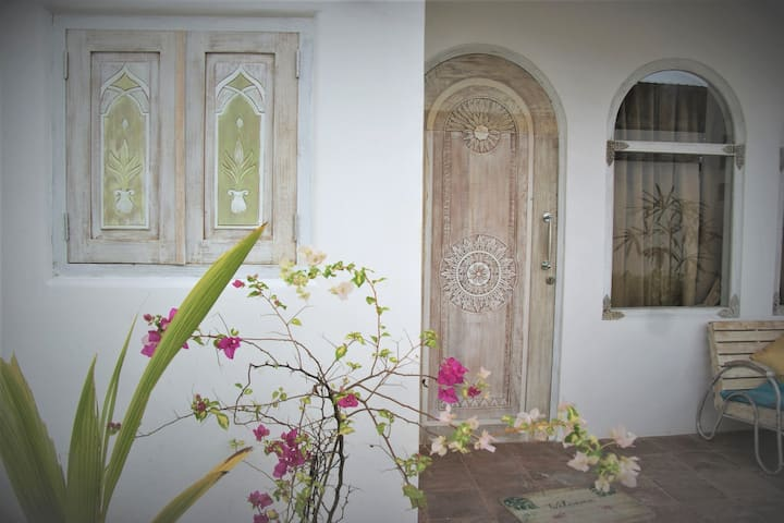 NEW! Private bedroom full comfort in Jungutbatu
