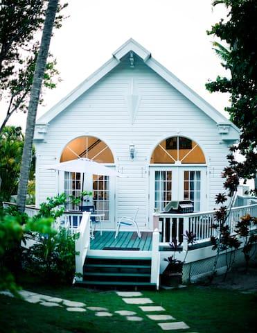 Gibney Beach Garden Cottage