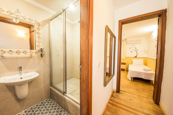 LUNA KAŞ EKONOMİK DOUBLE OR SİNGLE ROOM