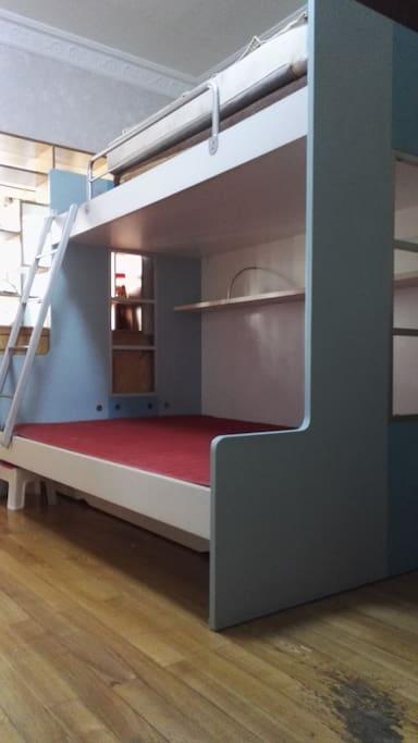 卧室子母床
