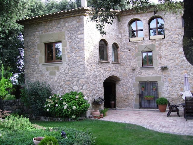 Can Patrona, a rural idyll! - Serinyà - House