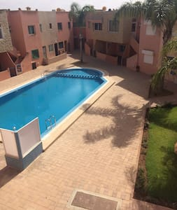 Résidence piscine au calme - Sidi Bouzid - Appartement