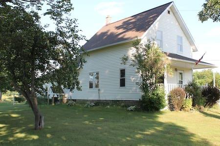 Historic 152 acre Farmhouse