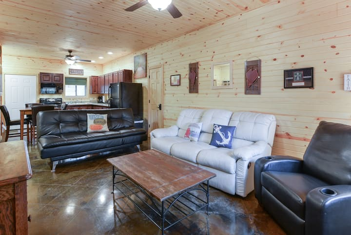 Quail Cove Resort Premium Condo Oak King Room