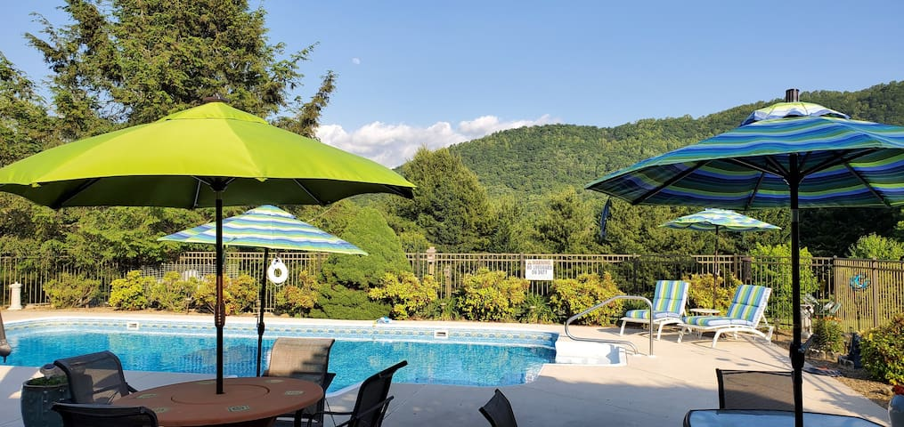 Cane Creek Valley Swim-Soak-Stay w/Pool, Hot Tub!