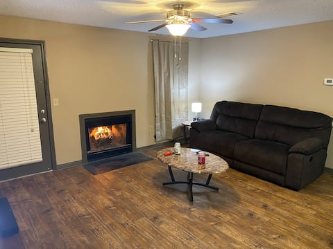 Entire Apartment just minutes from Natchez Trace