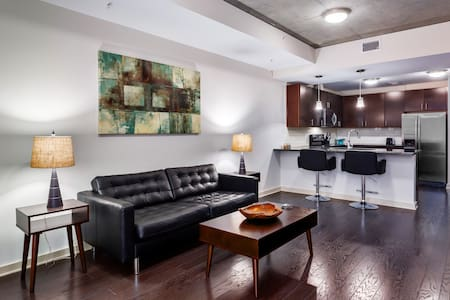 Downtown Raleigh Luxury High Rise - ราลี