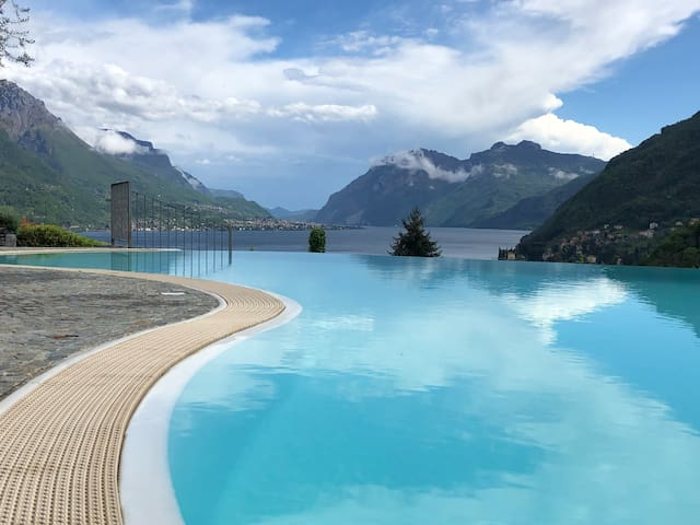 Il giglio,AC, amazing lake view with swimmimg pool