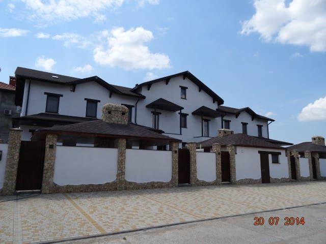 Вилла Бугаз - Bilhorod-Dnistrovs'kyi - Apartemen berlayanan