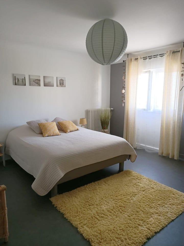 Bed & Breakfast dans appartement lumineux