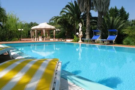 438 Villa con Piscina in Campagna a Ugento - Ugento