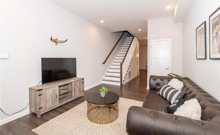 Cozy Pad in Modern House near Downtown Indy