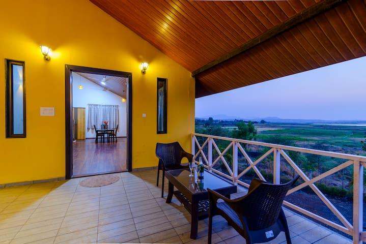 Lake View Holiday Villa 3 Bed RM nr Sula wine yard