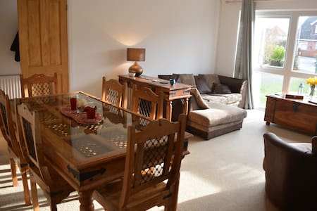 Double Bedroom in Hamble - Hamble-le-Rice