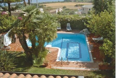 Villa con piscina a Zambrone 1 km dalla spiaggia - Villa