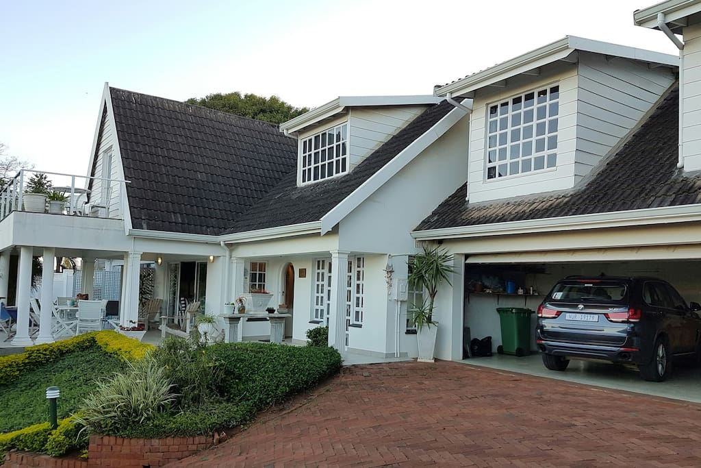 Shelbourne Lodge in La Lucia - close to the beach and La Lucia Mall