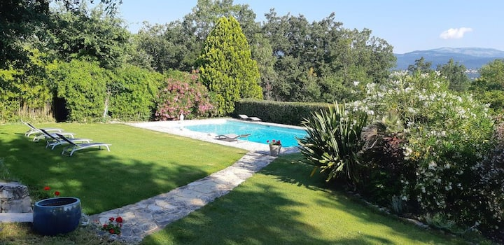 B&B Charming suite and pool in Fayence-Provence