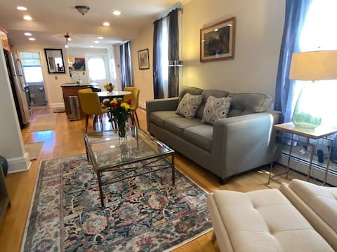 Exquisite 3rd floor private Apt with style
