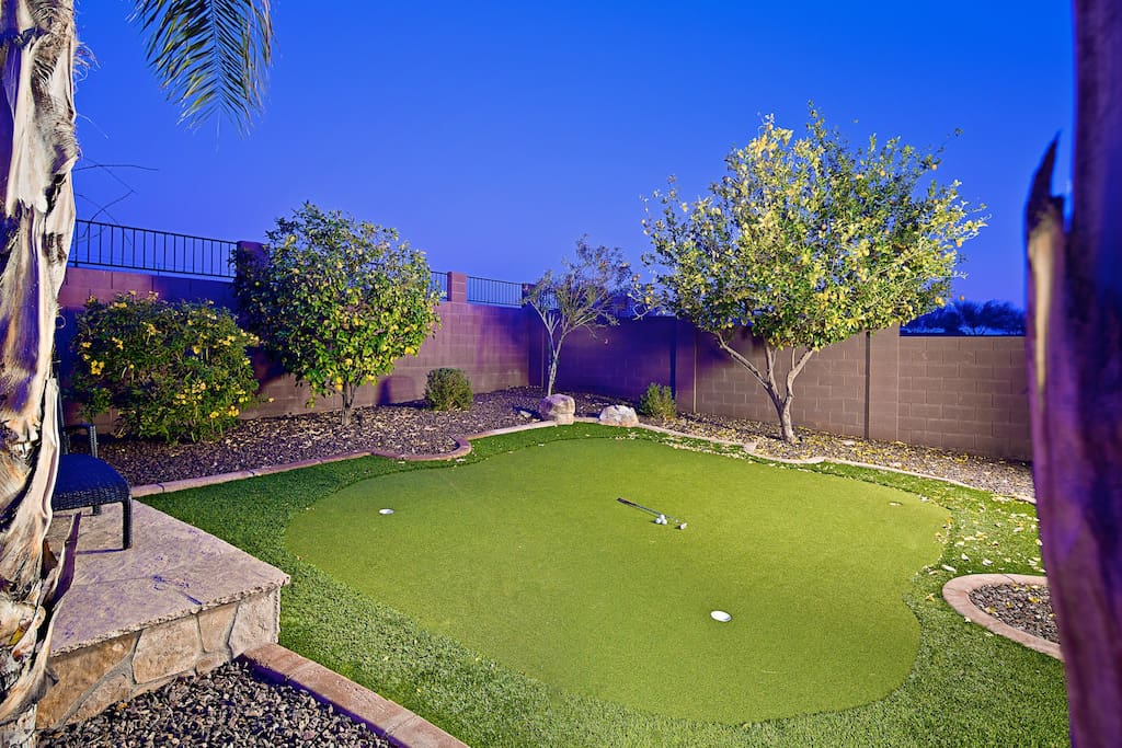 Avid golfers will love the putting green!
