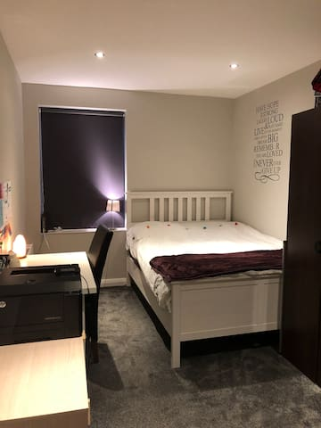 Room in Potters Bar
