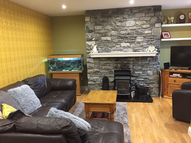 3 bed home in Dingle Town