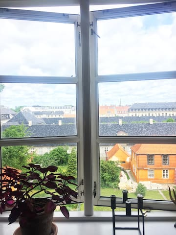 Lovely rooftop apartment near the Royal Palace