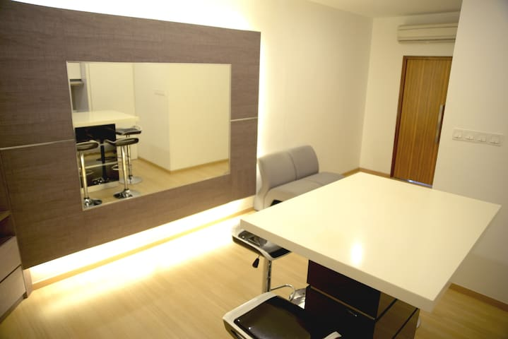 ★Beautiful★Cosy★Condo w Mall★5mins to Gurney★
