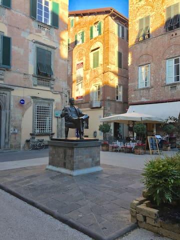 Statua di Puccini