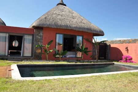 villa suite 17 piscine privé - Villa