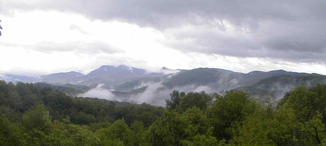 Beautiful Amazing View Smoky Mountain Home 2/2 BB