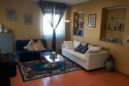 piso de 2 plantas en casa unifamili - Nichelino - 獨棟