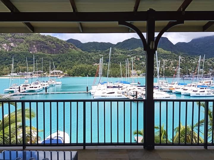 Eden Island  Penthouse-w.GolfCar, Wify,SatTV+Pool