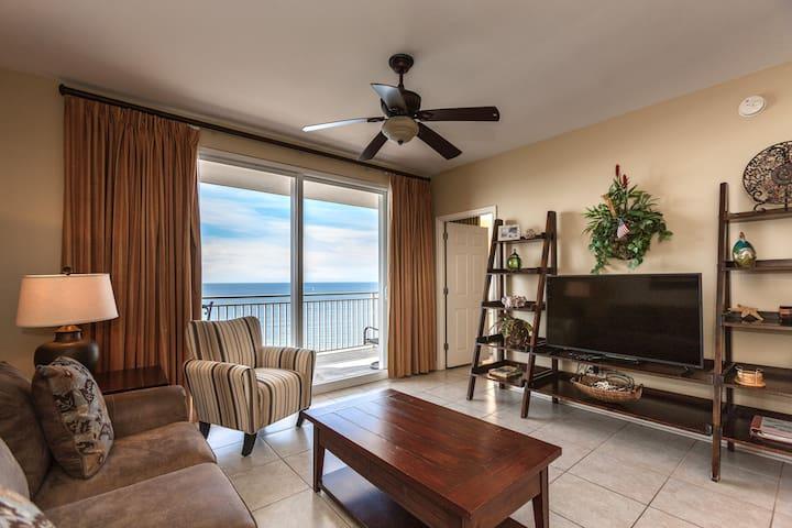 Panama Gulf-front Luxury Two-bedroom Beach Condo