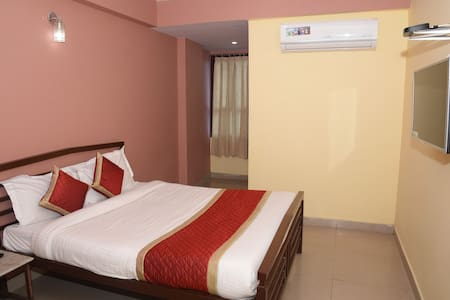 Double bed private room for two pax