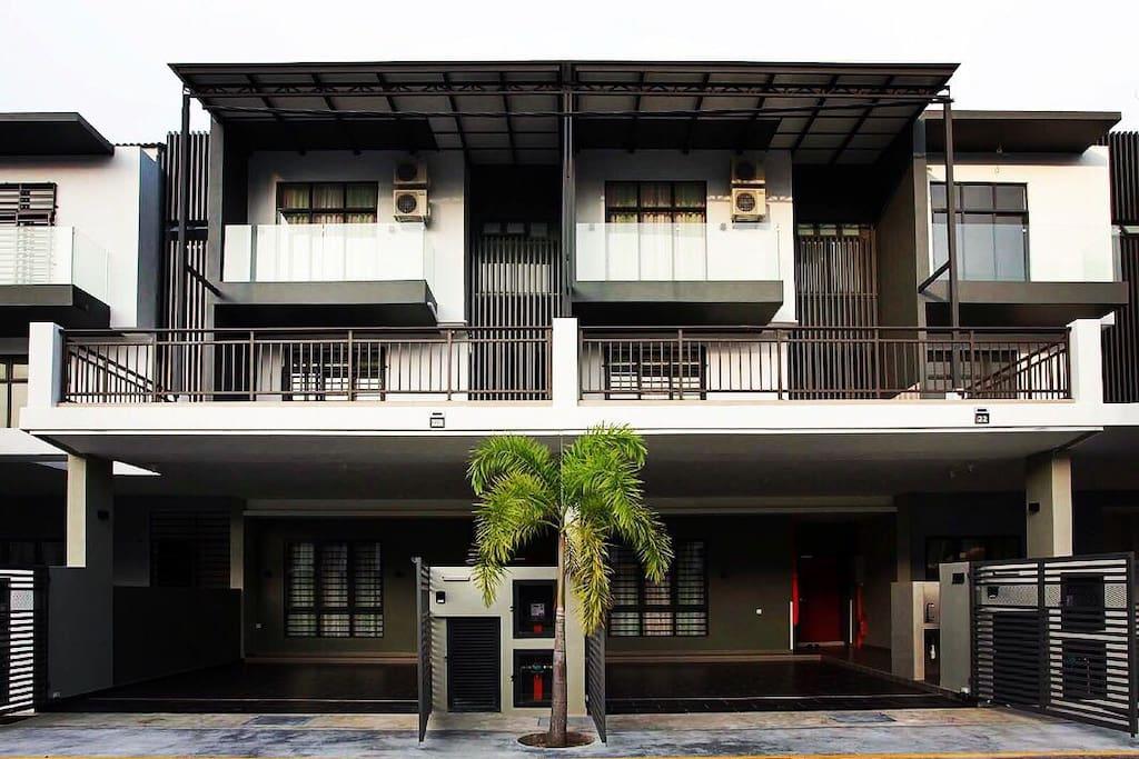 U-ME Suites - 9 Bedroom Private Villa