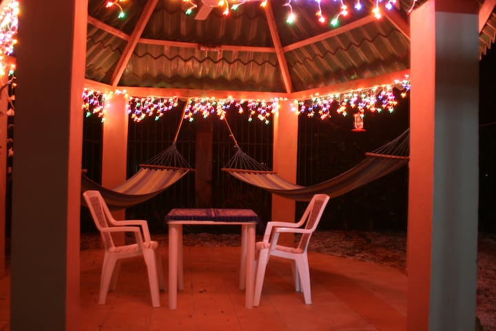 Conscious Home steps from the beach - Sámara
