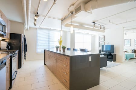 ★ ★ABSOLUTELY STUNNING 1BD COZY MODERN LOFT ★ ★