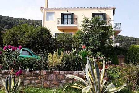 Two floor villa with panoramic view in Agia Efimia - Kefallonia - 별장/타운하우스