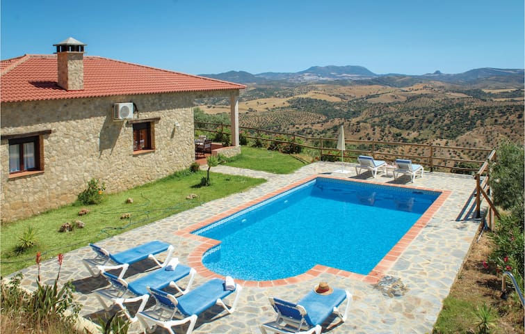 Holiday cottage with 3 bedrooms on 84m² in El Gastor