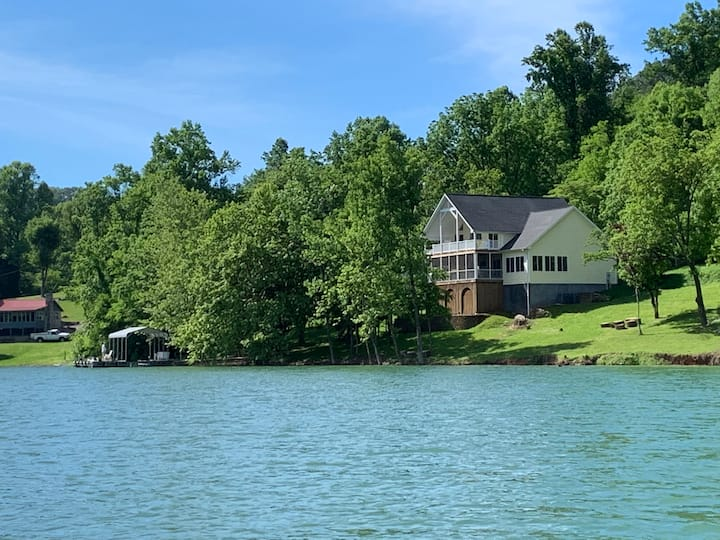 Cherokee Lake getaway, beautiful home, great views